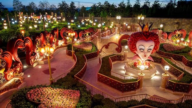 alice in wonderland maze attractions shanghai disney resort